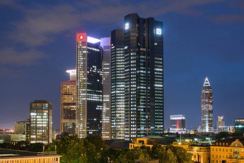 Hochhäuser Frankfurt bei Nacht